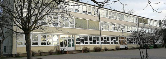 Aussenansicht Ernst-von-Stubenrauch-Grundschule